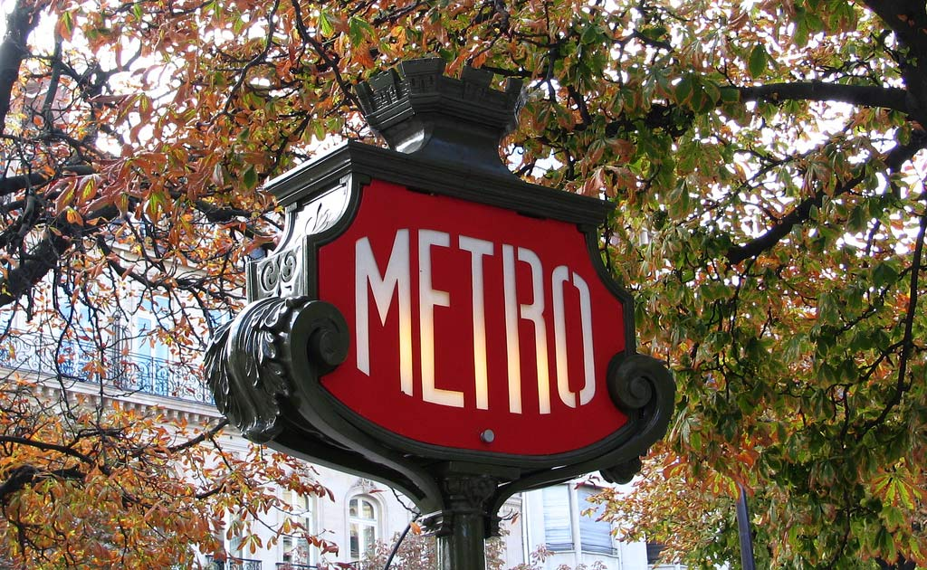 Paris Metro Guide by Travis Neighbor Ward