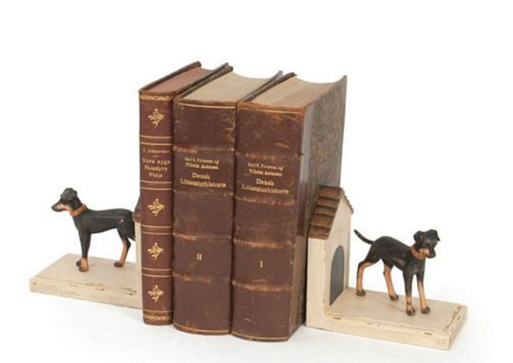 Dog bookends with doghouses