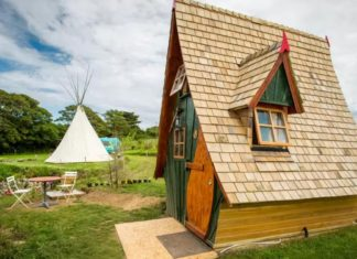 England Airbnb Jack Sparrow House