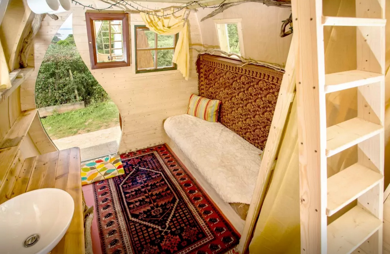 England Airbnb Jack Sparrow House 3