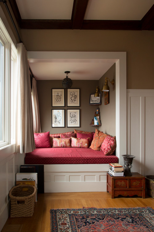 Cozy home idea by by Margot Hartford Photography