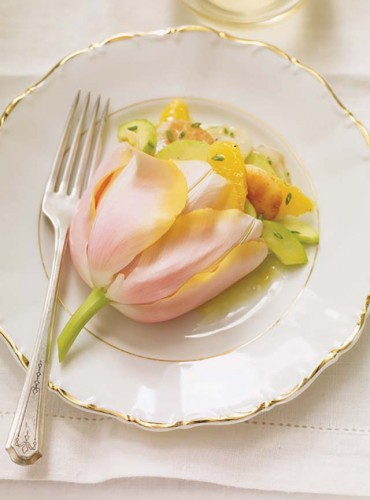 Edible flower recipes include these scallops in a tulip