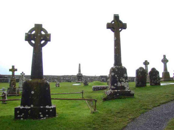 Rock of Cashel graveyard