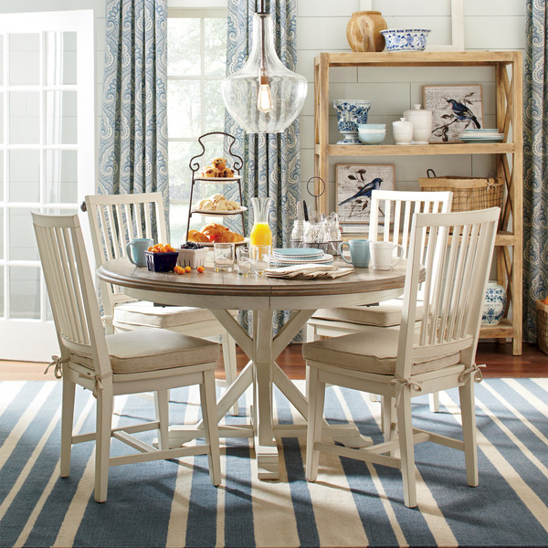 Round Kitchen Tables: 5 Tips + Great Resources