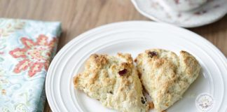 Cranberry scones with oranges-1024x538